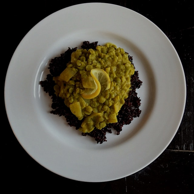 Springtime lemon split pea dal! Vegan and gluten free. Recipe on my website :)