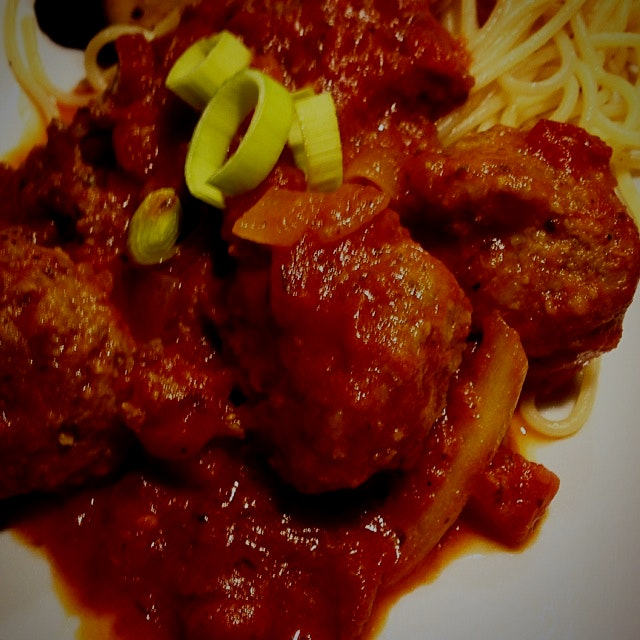 Simple and delicious spaghetti and turkey meatballs.