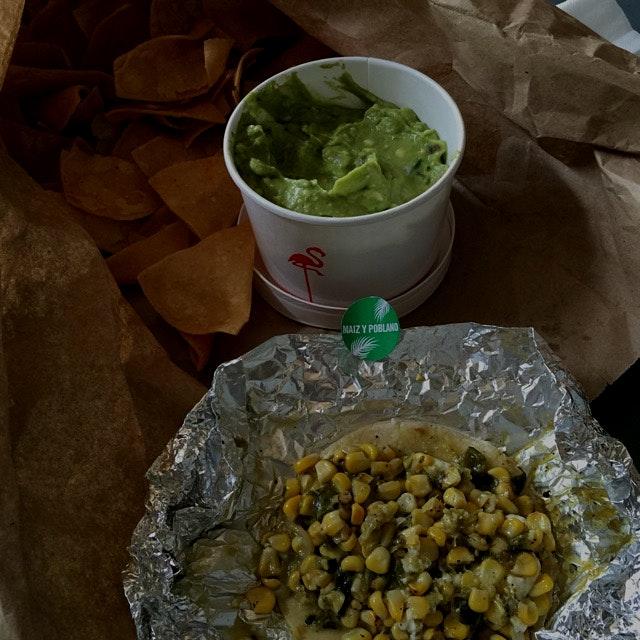 Maiz y Poblana Taco y Guacamole con Tortilla Chips #meatlessmondays #gansvoortmarket #tacombi