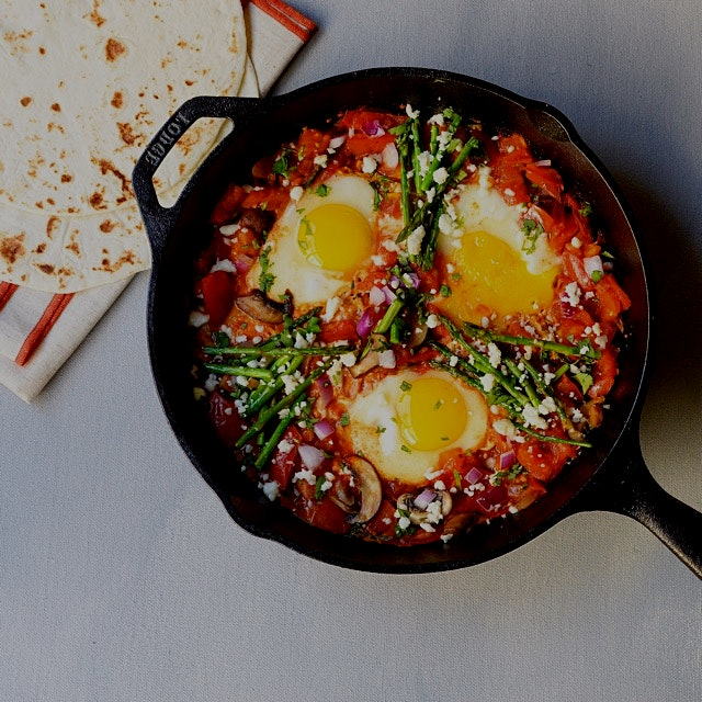 My quick to make huevos rancheros that's lip smackingly tastey, of course fresh eggs from a frien...