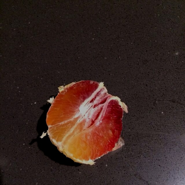 Tye dye surprise in my clementine! Thanks @bostonorganics!