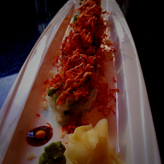 A little stop at Oysi Oysi for a new Crunchy Crunch Roll. Hit the spot, along with a glass if Sap...