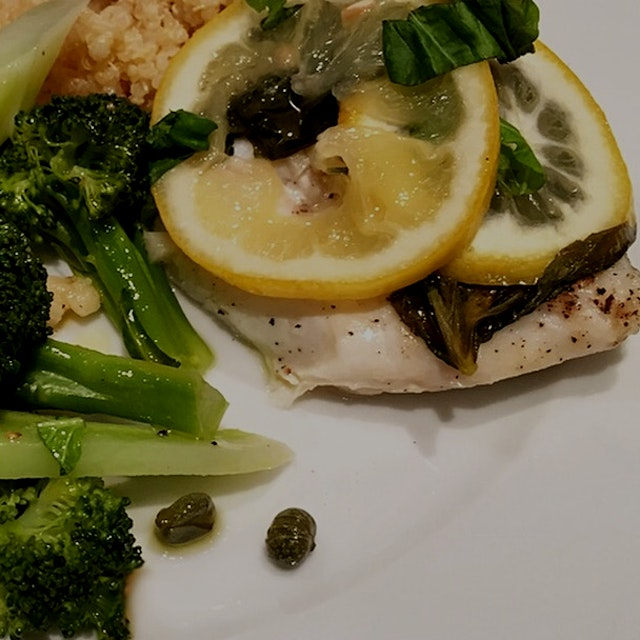 Quick protein series. Find my White Fish en Papillote recipe on the Anne food blog.