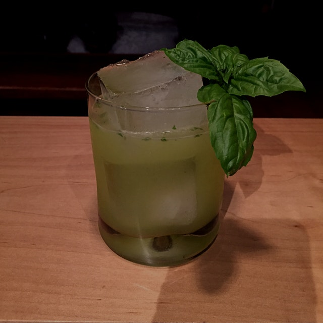 Garden basil margarita for one