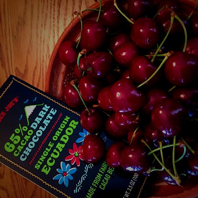 Fresh Okanagan Cherries and Dark Chocolate........ Great combo for........ Iced Cream, perhaps?
