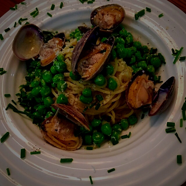 Fresh Pea Pasta with Clams. A lovely meal with my boys!!!! 🍷🍷🍷