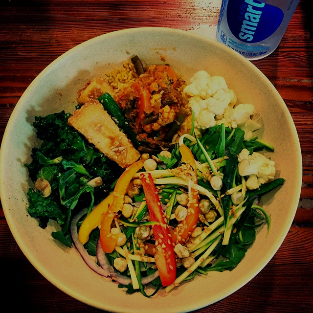 #PlantLife is hella delicious! I wish I had a salad bar in my kitchen.