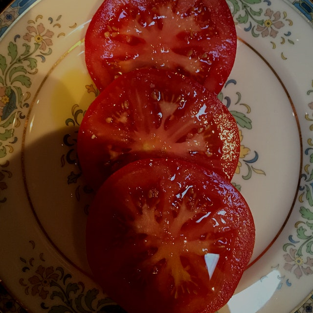 Tomatoes grown in dirt and nourished by rain, direct sun, and air #redeats