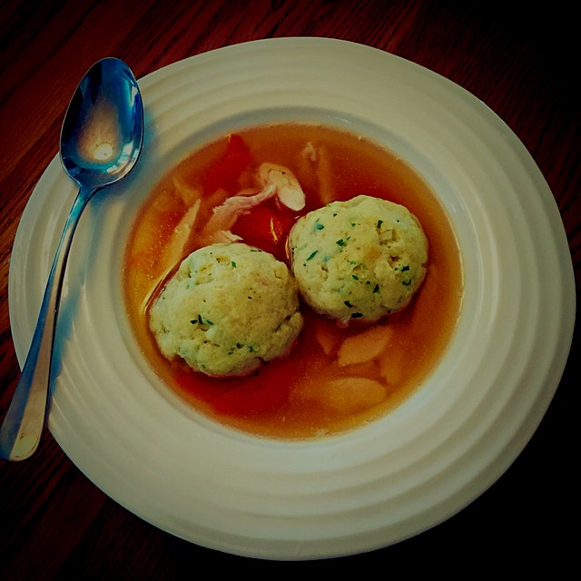 Ever since trying the yummy Matzo Ball Soup at Katz's Deli in NYC last month, I had to try to mak...