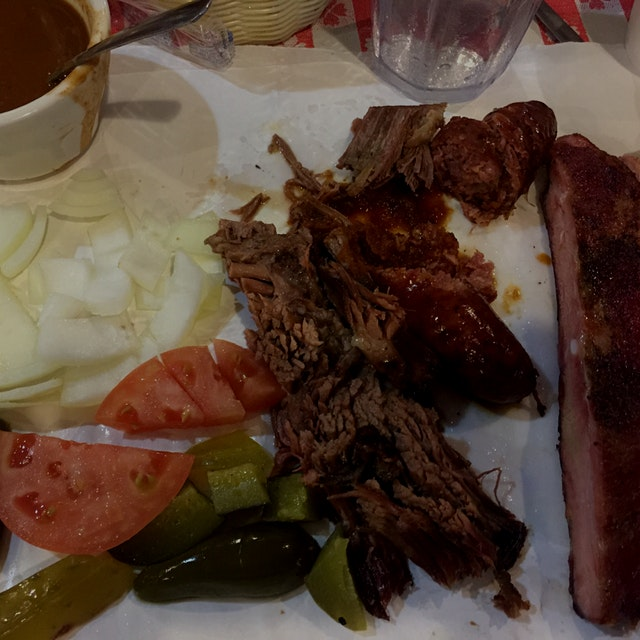 Texas BBQ!  Famous Joe Cotten's BBQ in South Texas. No plates needed!