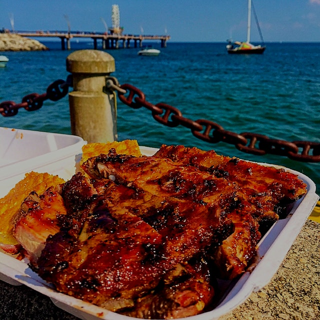 The largest Ribfest in Canada is going on this weekend in Burlington, Ontario. Ribbers from New M...