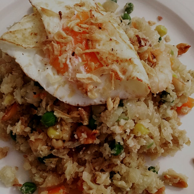 First time making cauliflower fried 'rice' & so pleased with how it turned out! Tasty, easy & muc...