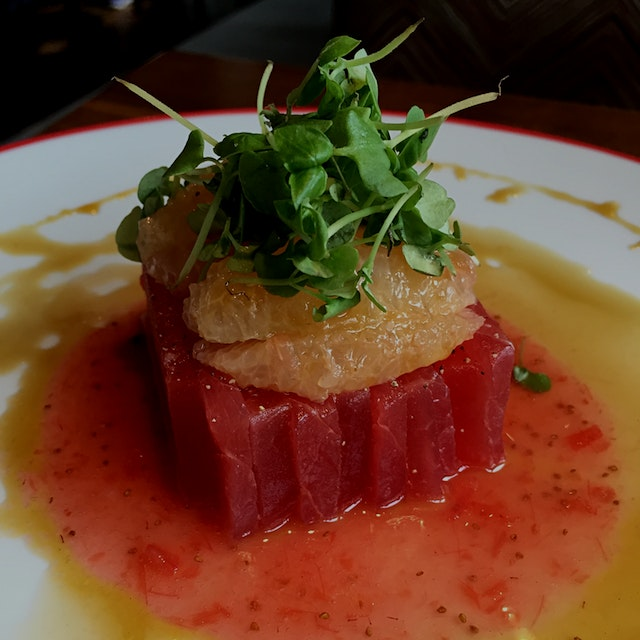 Amazing App of ahi tuna, watermelon and grapefruit.